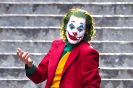 Joker, bajando escaleras